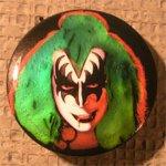 new_Kiss-Button2