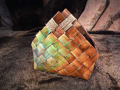 Color Changing Hand Basket